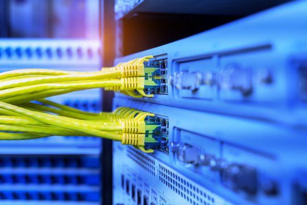 Servicios de redes y conectividad